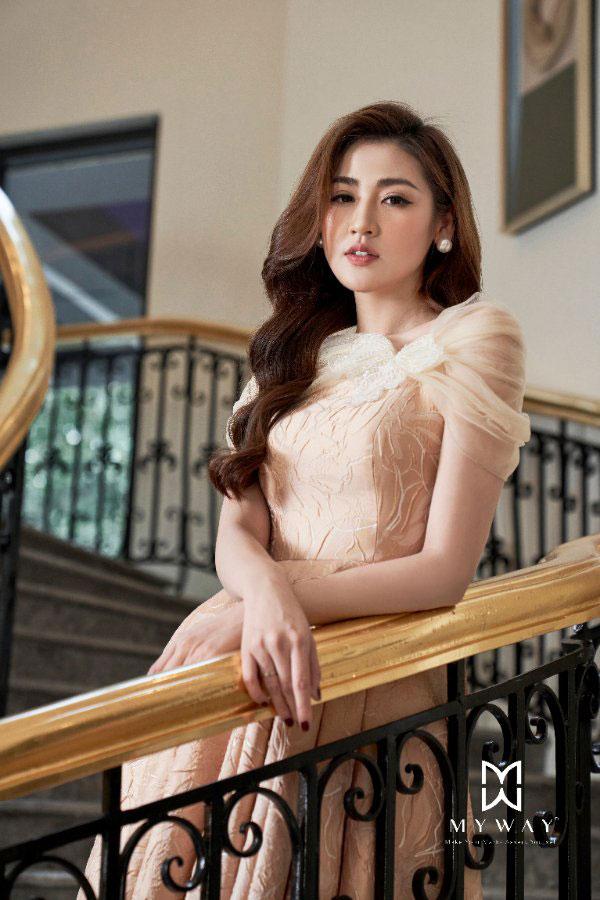 Á hậu Tú Anh khen BST thời trang mới nhất của hãng My Way - 4