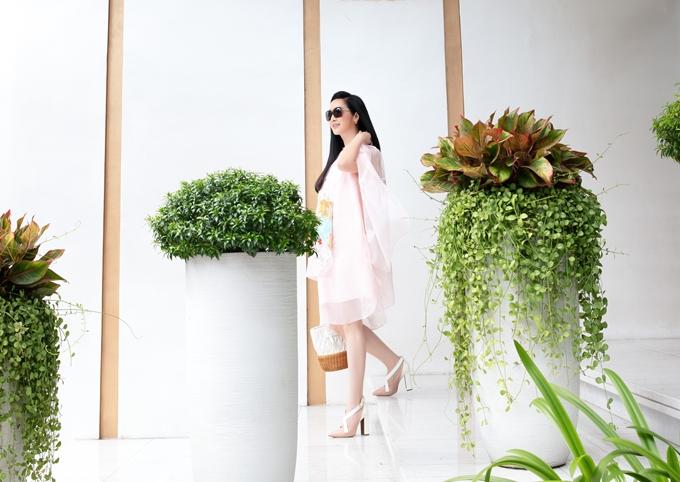 Hoa hậu Giáng My khoe thân hình gợi cảm hút mọi chú ý - 11