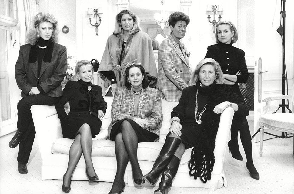10 gia đình quyền lực thống trị ngành thời trang thế giới - hình ảnh 5