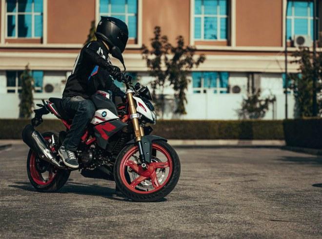 2021 BMW Motorrad G310R: Xế chồm lỡ cuốn hút dân tập chơi - 12