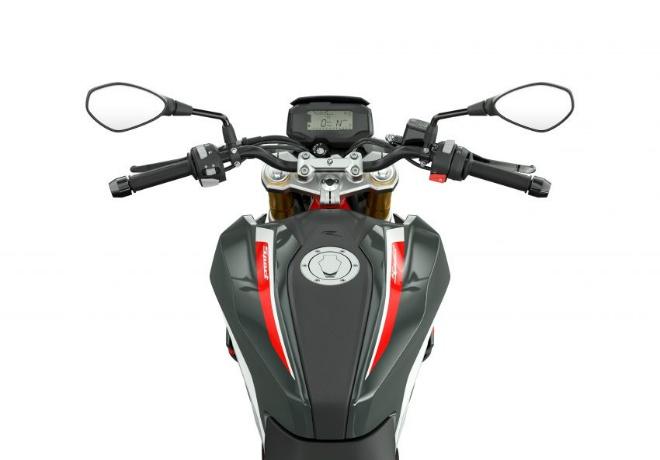 2021 BMW Motorrad G310R: Xế chồm lỡ cuốn hút dân tập chơi - 9