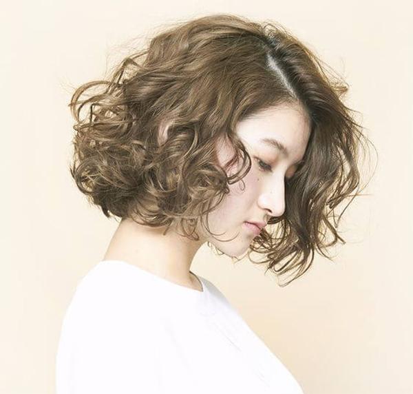 25 kiểu tóc ngắn uốn đẹp phù hợp với mọi gương mặt hot nhất hiện nay - 16