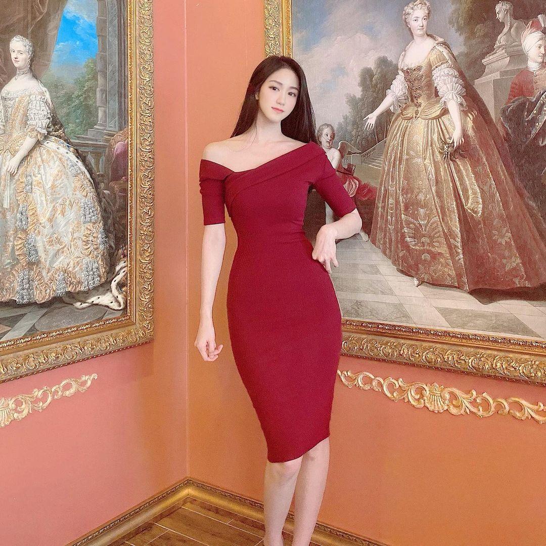 Váy ôm mỏng như cánh chuồn nhìn xuyên thấu đường cong gây mê của người đẹp Hàn - 1