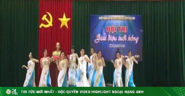 Clip: Học sinh diễn văn nghệ cực đỉnh mừng ngày Nhà giáo Việt Nam