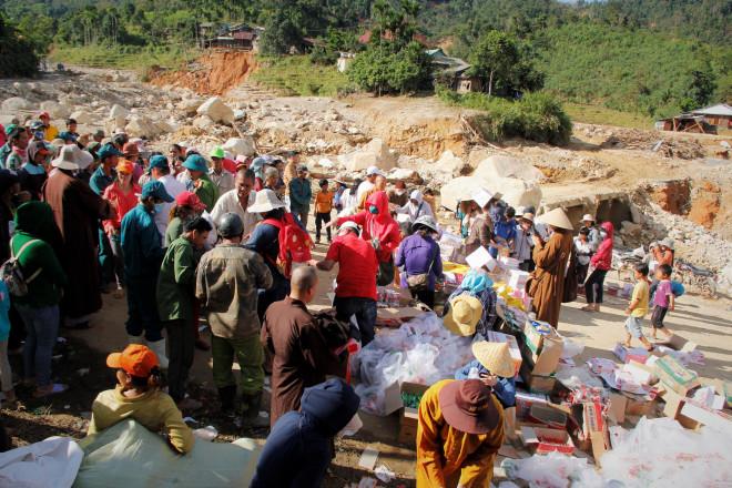 CLIP: Kinh hoàng cảnh tượng tan hoang tại Phước Thành sau 3 tuần cô lập - 1