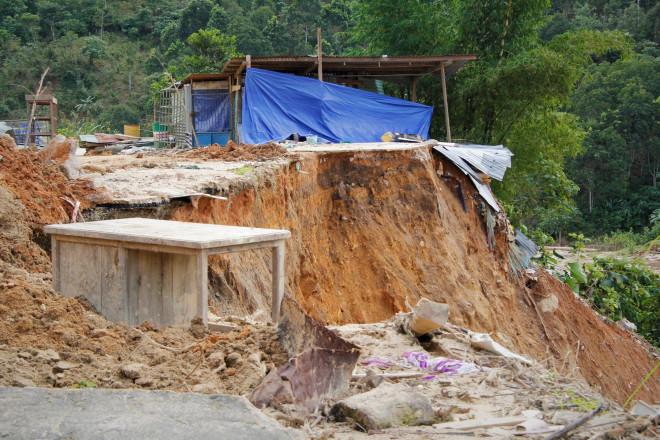 CLIP: Kinh hoàng cảnh tượng tan hoang tại Phước Thành sau 3 tuần cô lập - 6