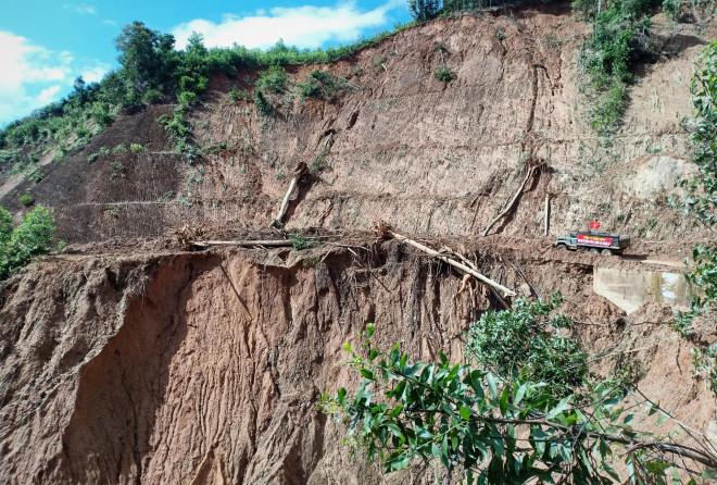 CLIP: Kinh hoàng cảnh tượng tan hoang tại Phước Thành sau 3 tuần cô lập - 11