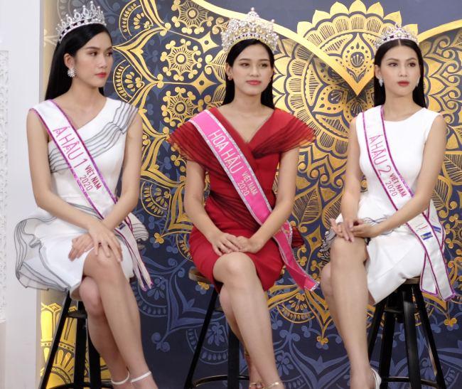 """Hoa hậu Đỗ Thị Hà: """"Năm 2 đại học biết làm điệu nên nhiều người theo đuổi"""" - hình ảnh 4"""