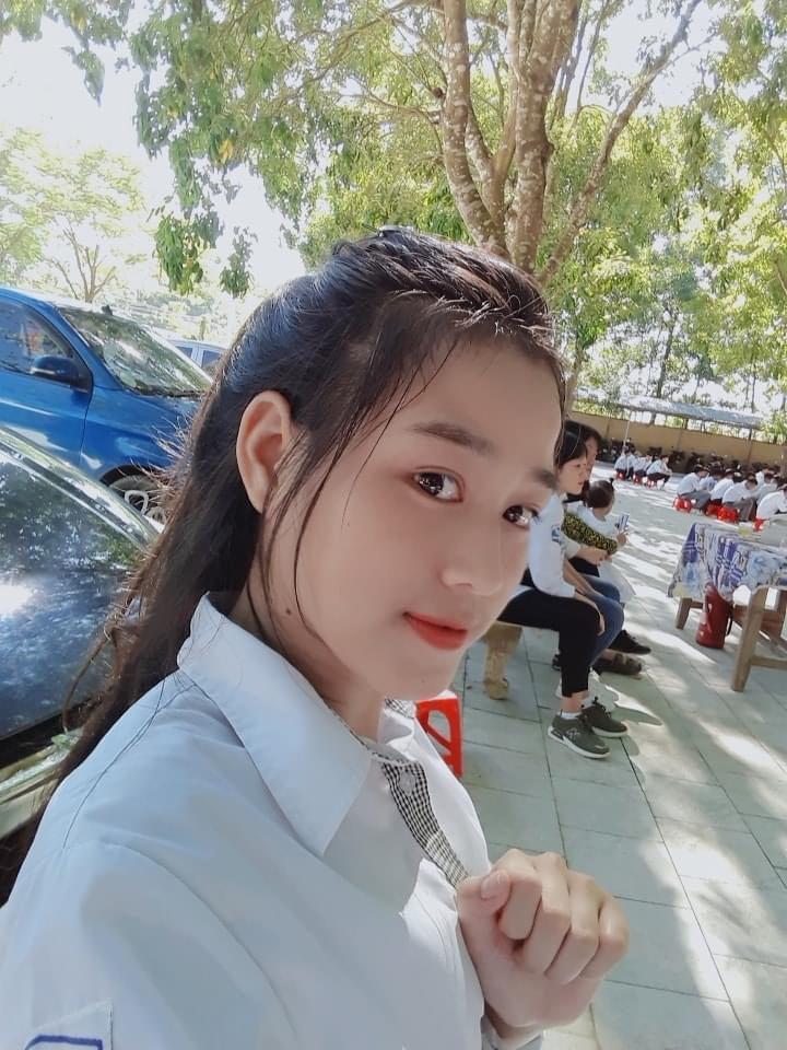 """Nhan sắc thật, mặt mộc """"thách thức camera thường"""" của Top 3 Hoa Hậu Việt Nam 2020 - hình ảnh 3"""