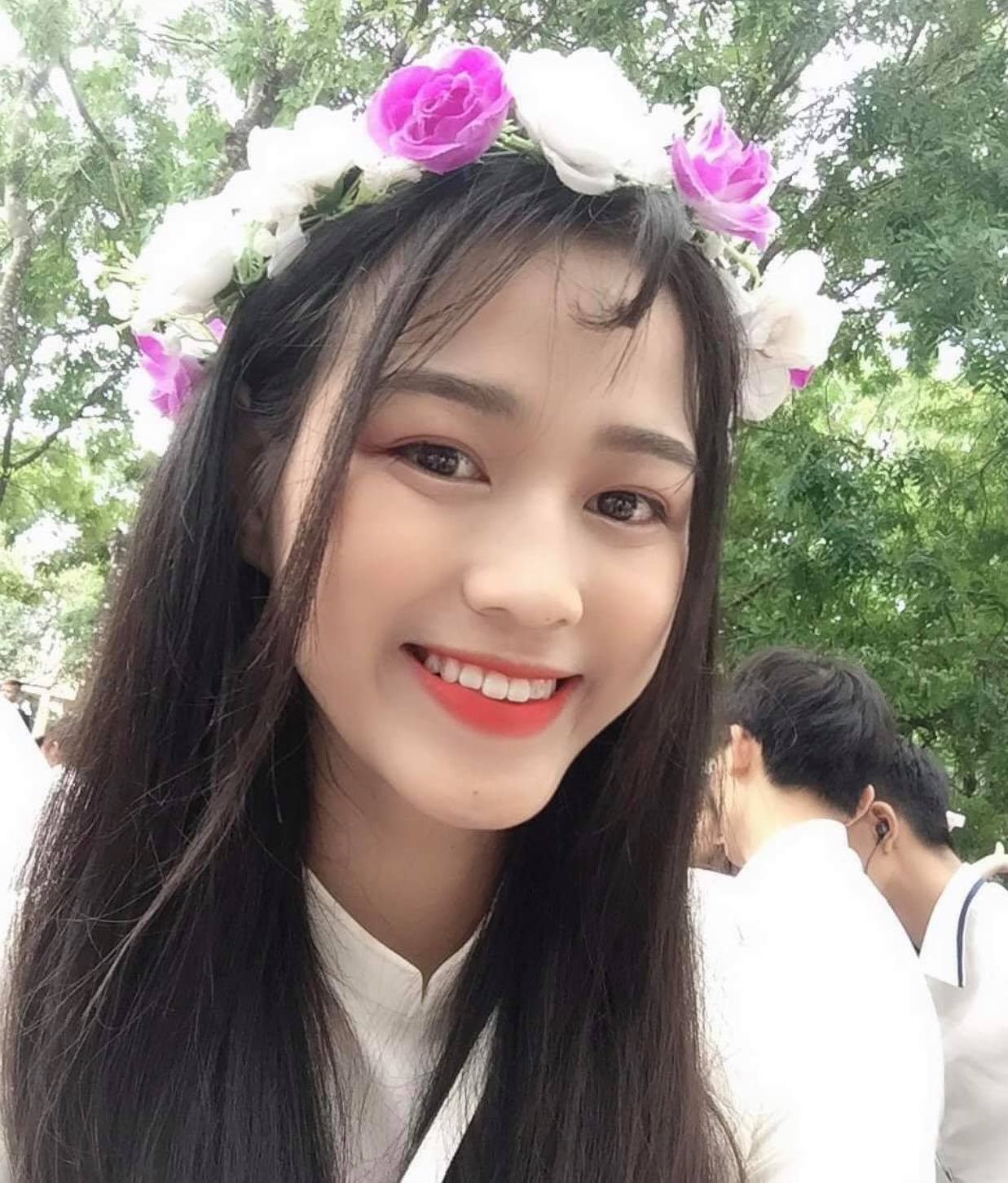 """Nhan sắc thật, mặt mộc """"thách thức camera thường"""" của Top 3 Hoa Hậu Việt Nam 2020 - hình ảnh 4"""