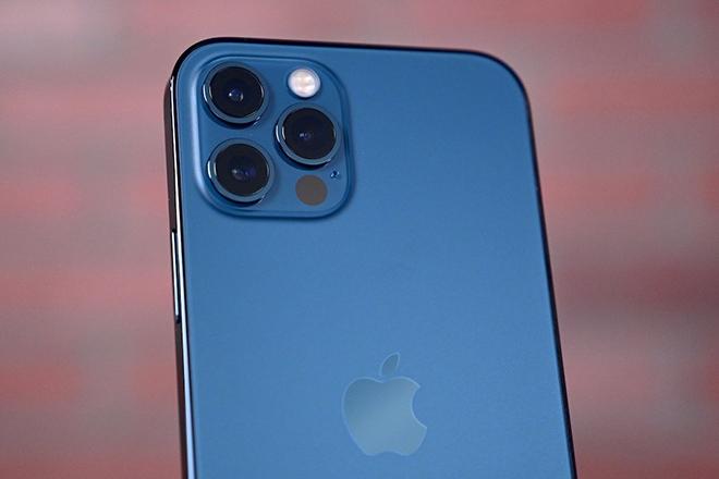 Bóc tem mô-đun camera zoom trên iPhone 12 Pro Max - 1