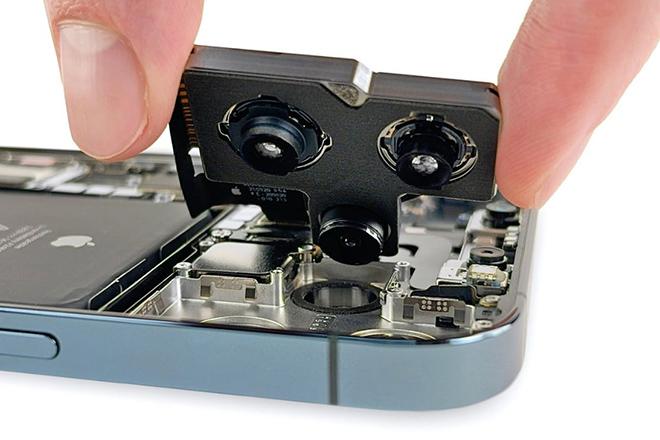 Bóc tem mô-đun camera zoom trên iPhone 12 Pro Max - 2
