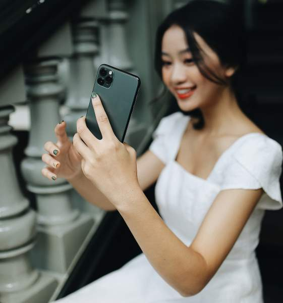 Mẫu iPhone chỉ kém iPhone 12, mạnh ngang 11 Pro Max nhưng lại rẻ hơn 4 triệu - 1
