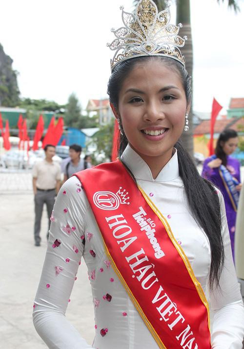 Nhược điểm này Hoa hậu Việt Nam chứng minh trên đời không có sự hoàn hảo - 4