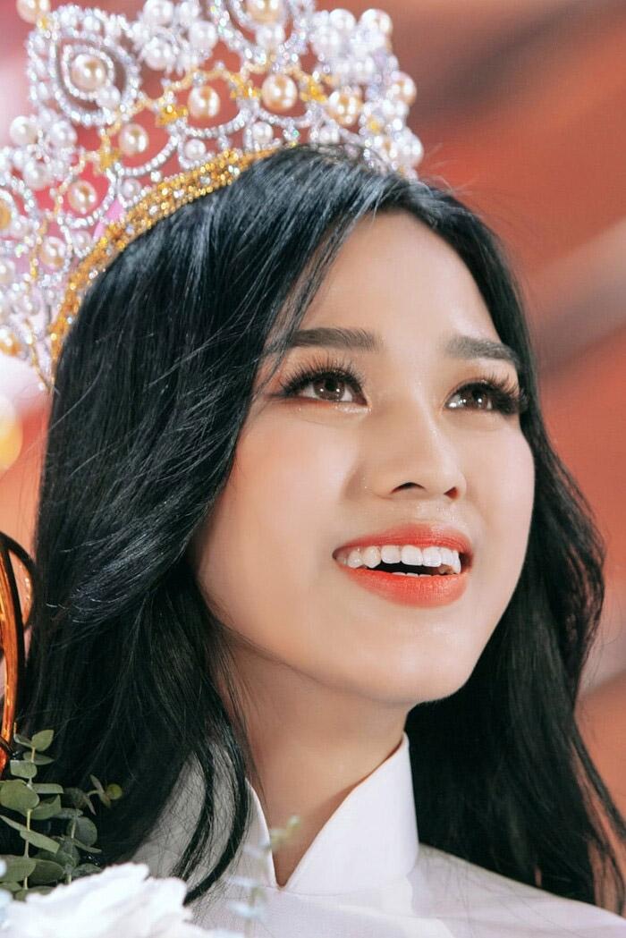 Nhược điểm này Hoa hậu Việt Nam chứng minh trên đời không có sự hoàn hảo - 7