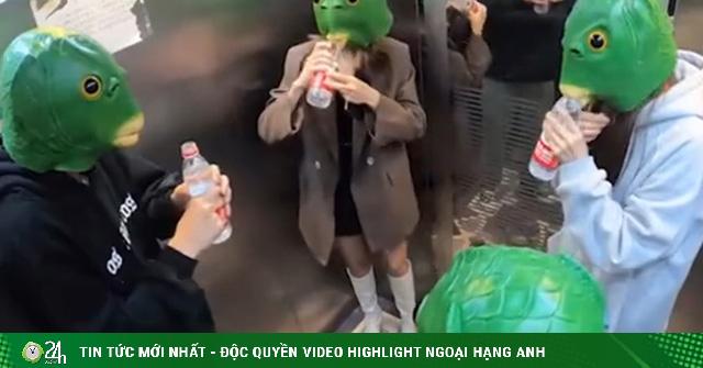 Những màn troll cực mạnh người lạ trong thang máy