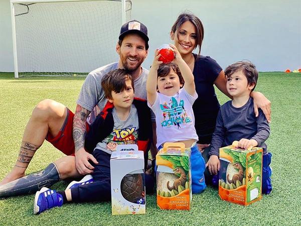 Nhan sắc nóng bỏng của vợ Messi khiến nhiều chị em ghen tị - 12