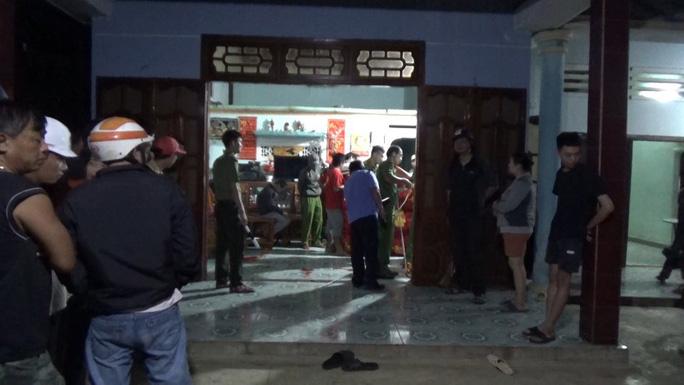 NÓNG: 2 vụ nổ súng trong đêm, ít nhất 1 người chết, 3 người bị thương - 2