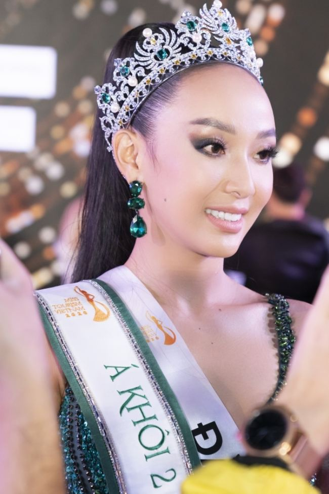 """Hoa khôi Du lịch VN 2020 không tìm ra hoa khôi: Á khôi 2 cảm thấy """"sốc"""" - 2"""
