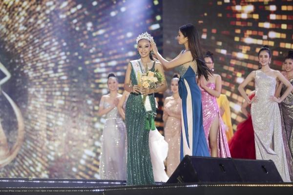 """Hoa khôi Du lịch VN 2020 không tìm ra hoa khôi: Á khôi 2 cảm thấy """"sốc"""" - 1"""