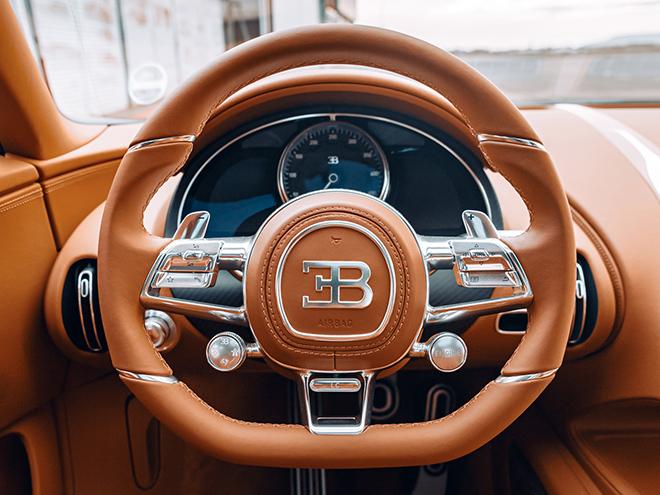 Bugatti Chiron phiên bản huyền thoại bầu trời có giá bán hơn 78 tỷ đồng - 14