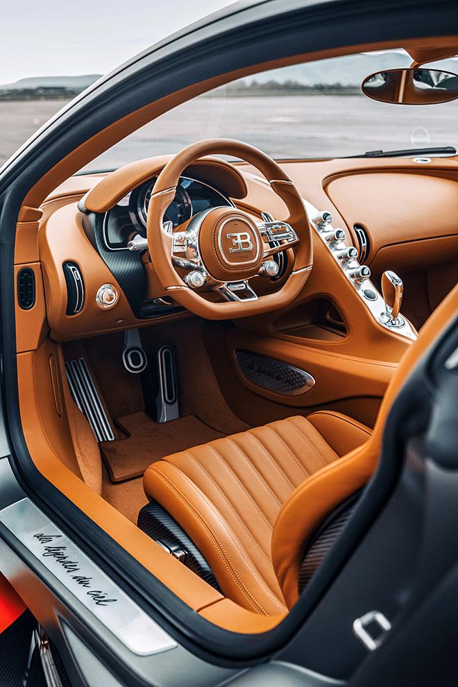 Bugatti Chiron phiên bản huyền thoại bầu trời có giá bán hơn 78 tỷ đồng - 15