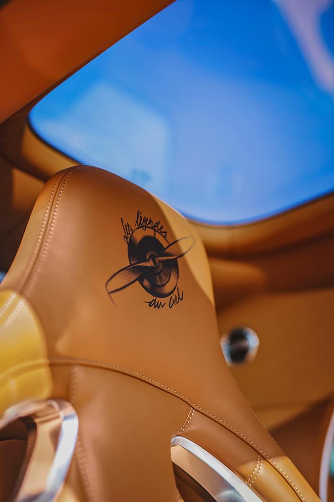 Bugatti Chiron phiên bản huyền thoại bầu trời có giá bán hơn 78 tỷ đồng - 16