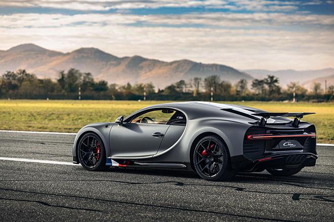 Bugatti Chiron phiên bản huyền thoại bầu trời có giá bán hơn 78 tỷ đồng - 4