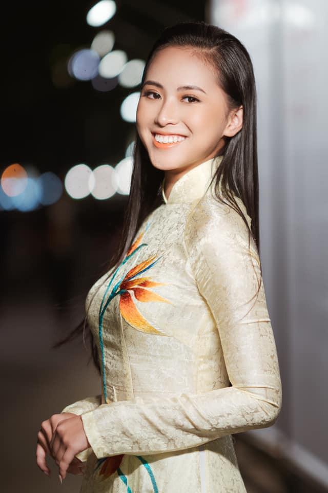 'Kình ngư' - Người đẹp Thể thao Phù Bảo Nghi duyên dáng và nữ tính với áo dài - 5