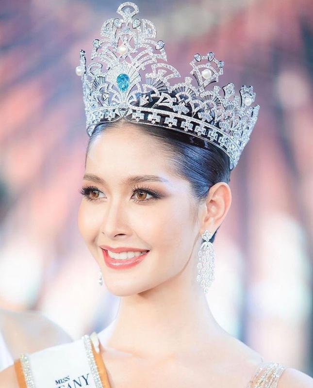 """Sắc vóc của Hoa hậu Chuyển giới Thái Lan từng là """"fan cứng"""" của Hương Giang - 4"""