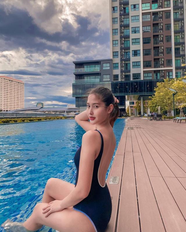 """Sắc vóc của Hoa hậu Chuyển giới Thái Lan từng là """"fan cứng"""" của Hương Giang - 8"""