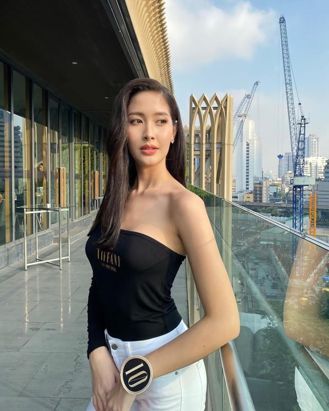 """Sắc vóc của Hoa hậu Chuyển giới Thái Lan từng là """"fan cứng"""" của Hương Giang - 10"""