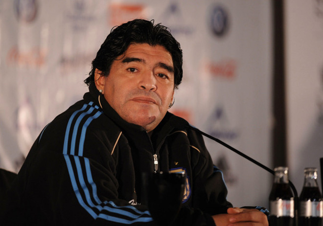 """Điều tra sốc vụ Maradona qua đời: Bị """"ngã đập đầu"""", y tá và cháu nói dối? - 1"""