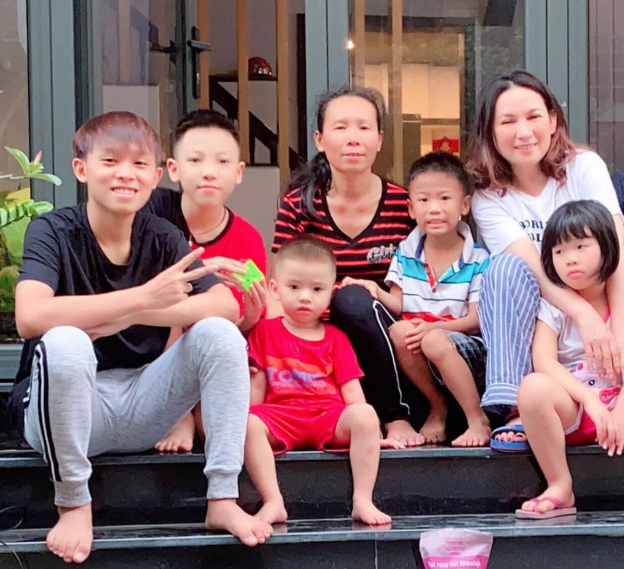Hồ Văn Cường thay đổi ngỡ ngàng sau 4 năm được Phi Nhung nhận nuôi - 9