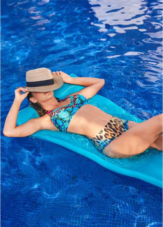 Mê mẩn ngắm nàng mẫu Gigi Paris xinh đẹp gợi cảm với đồ bơi sắc màu - 5
