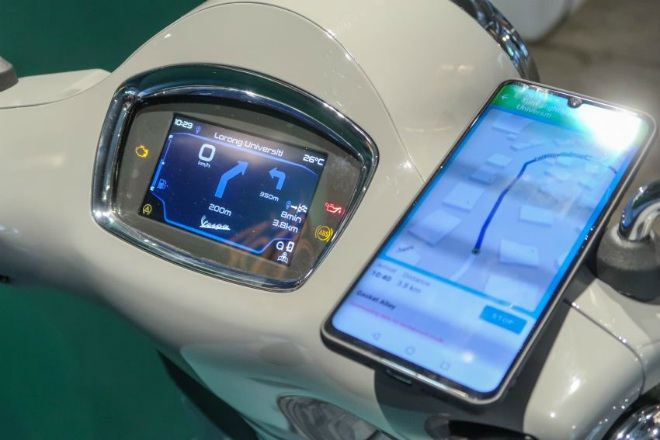 Cận cảnh xe ga hạng sang 2021 Vespa GTS 300 HPE Super Tech - 3
