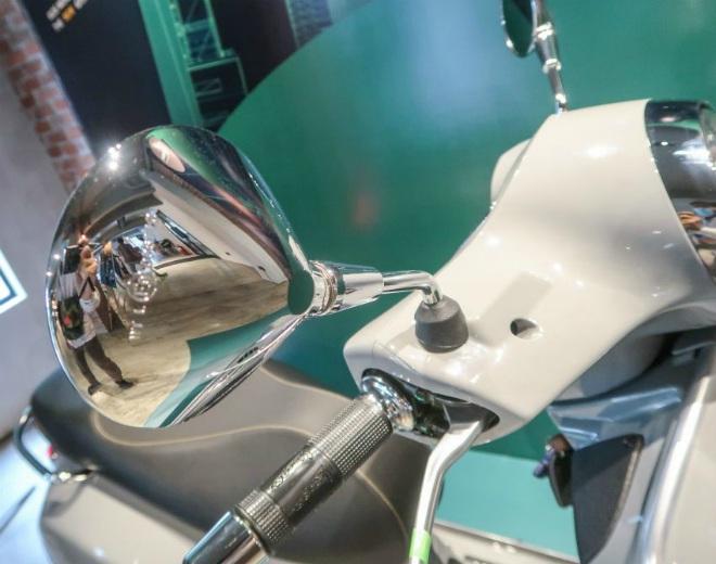 Cận cảnh xe ga hạng sang 2021 Vespa GTS 300 HPE Super Tech - 9