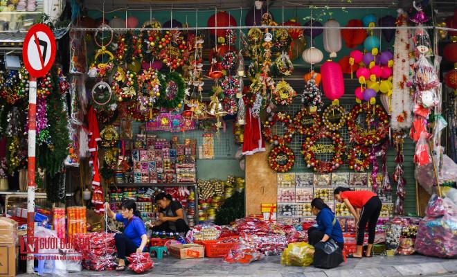Hàng Mã rực rỡ sắc màu đón Noel - 7
