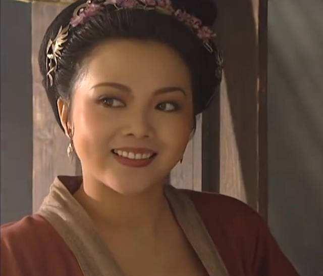 """Vũ nữ xinh đẹp vào vai """"Mẫu Dạ Xoa"""" Tôn Nhị Nương, bị truy nã khắp nơi là ai? - hình ảnh 1"""