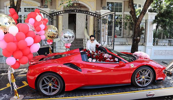 Ferrari 488 Pista Spider đầu tiên tại VN, đại gia