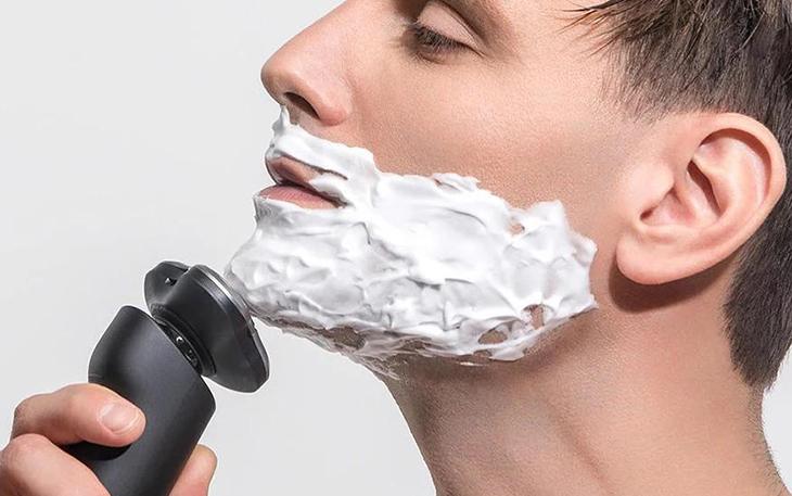 Bí quyết cạo râu nhẵn mịn không xước da - 1