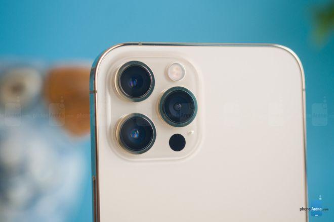 Tại sao cần cân nhắc khi mua iPhone 12? - 3