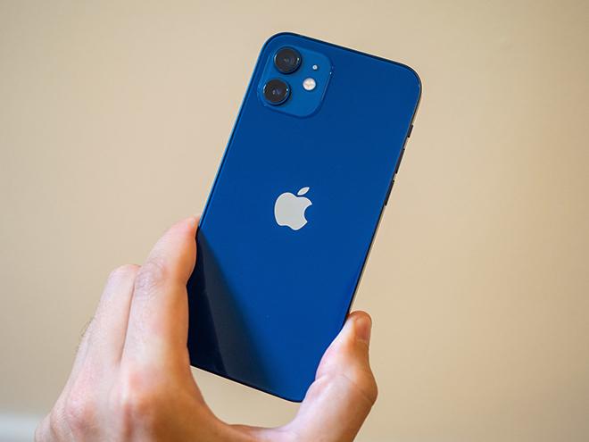 Nên mua iPhone 12 hay iPhone XR khi chênh nhau cả chục triệu? - 3
