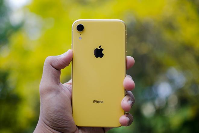 Nên mua iPhone 12 hay iPhone XR khi chênh nhau cả chục triệu? - 2