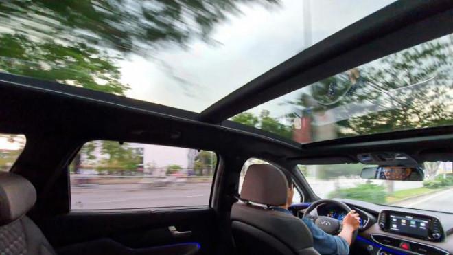 Lợi ích không ngờ mà cửa sổ trời đem lại cho xe ô tô của bạn - 2
