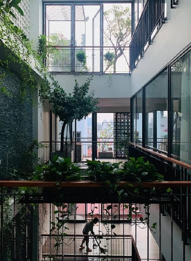 Cơ ngơi xanh mát như resort giữa quận trung tâm của vợ chồng ca sĩ Trọng Tấn - 2