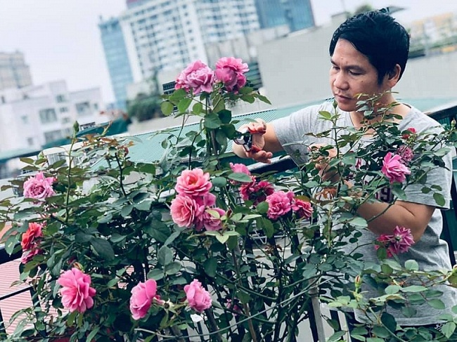 Cơ ngơi xanh mát như resort giữa quận trung tâm của vợ chồng ca sĩ Trọng Tấn - 3