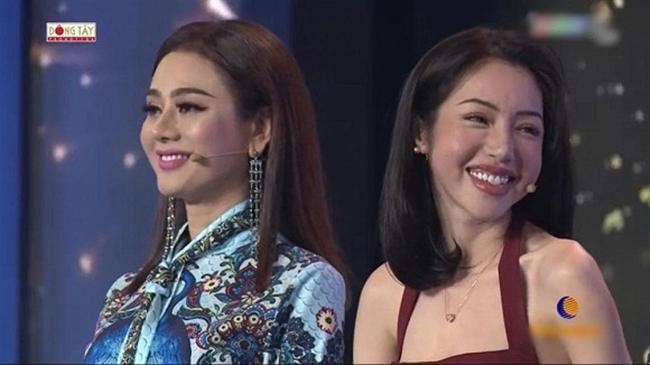 """Hoàng Thùy Linh, bạn gái tin đồn Sơn Tùng bị """"dìm hàng nhan sắc"""" trên truyền hình - 12"""