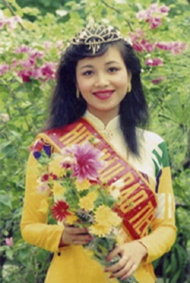 Ngắm nhan sắc sau khi đăng quang của Đỗ Thị Hà và Hoa Hậu Việt Nam qua các thời kỳ - 17