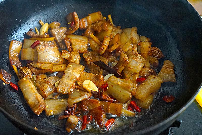 Thịt heo hầm với nguyên liệu rẻ tiền này vừa lạ miệng hao cơm lại bổ dưỡng - 8